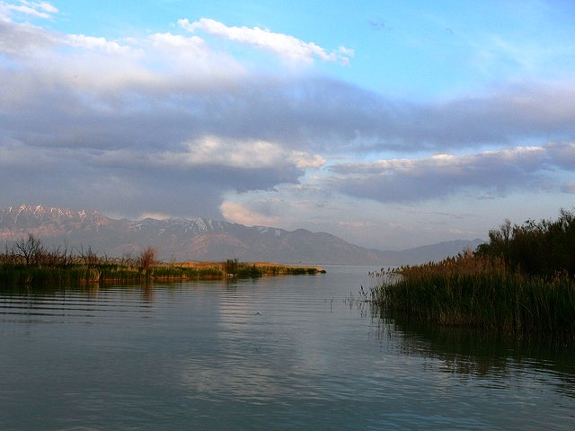 Utah Lake at Saratoga Springs boat launch (Jim Mullhaupt/Flickr)
