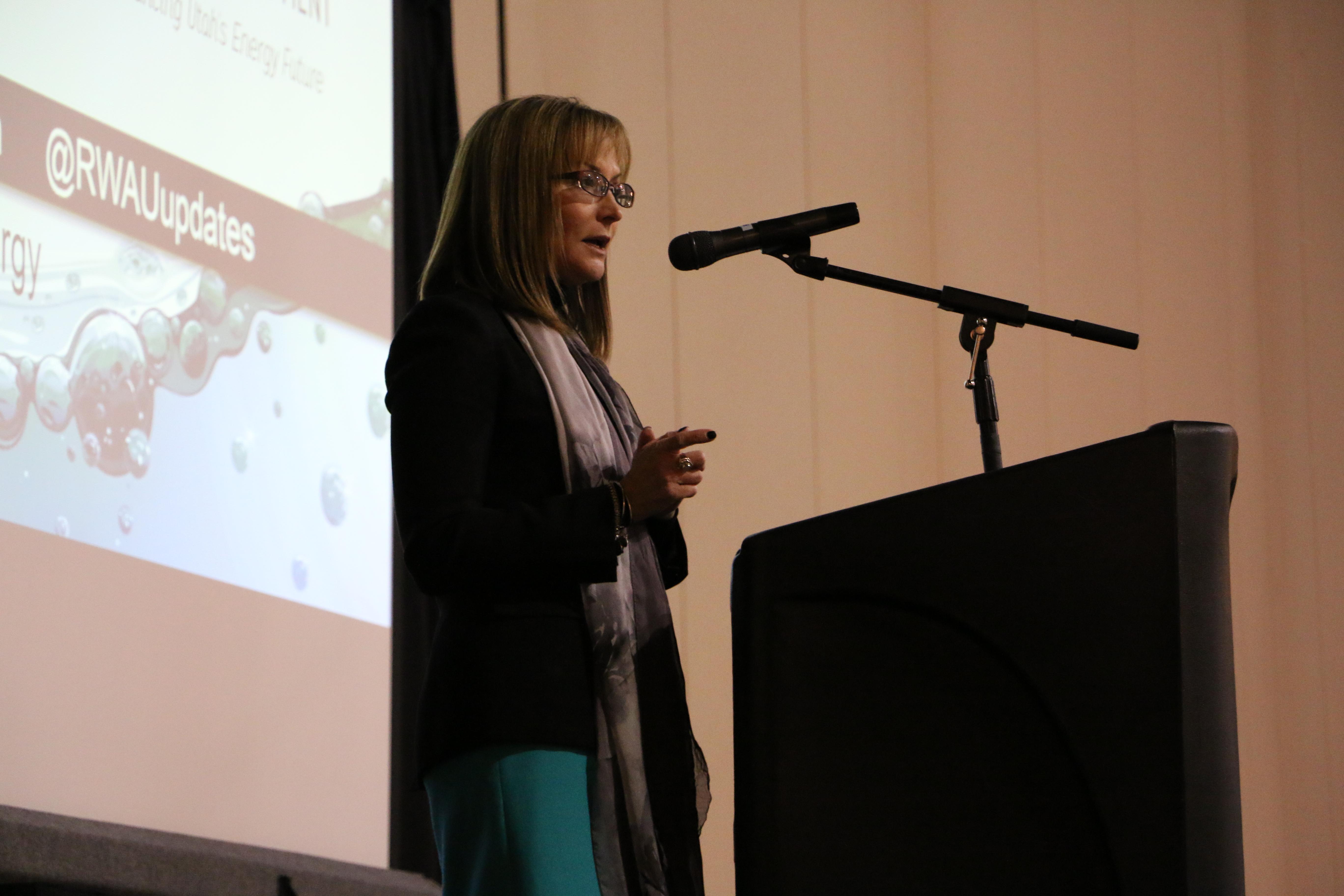 OED director Laura Nelson addresses the forum. (Meghan Stettler, Governor's Office of Energy Development)